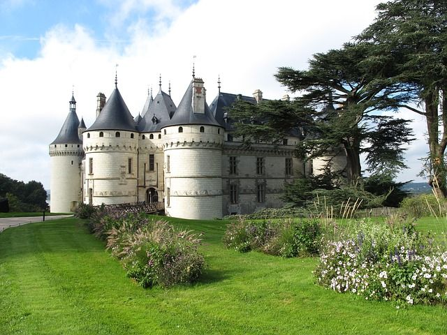 Your castle on the web